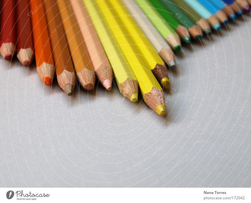 Farbfoto Detailaufnahme Makroaufnahme Menschenleer Tag Schwache Tiefenschärfe Bildungsreise Drucker Maler Papier Schreibstift Unendlichkeit mehrfarbig