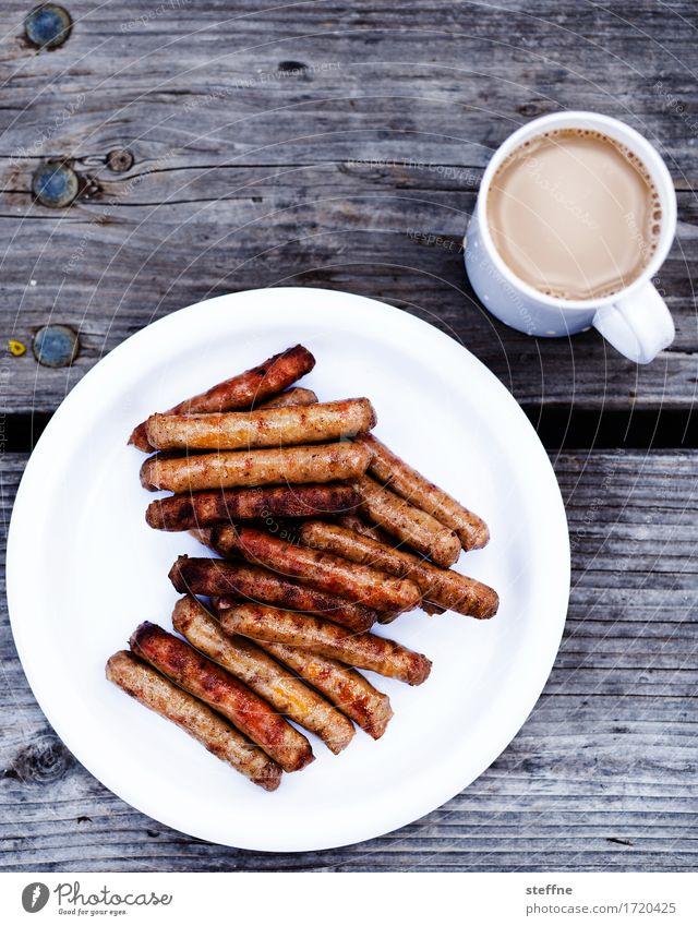 Männerfrühstück Lebensmittel Wurstwaren Frühstück Heißgetränk Kaffee Teller Becher Essen Bratwurst Grillen morgenkaffee ungesund Herzinfarkt Ernährung Farbfoto