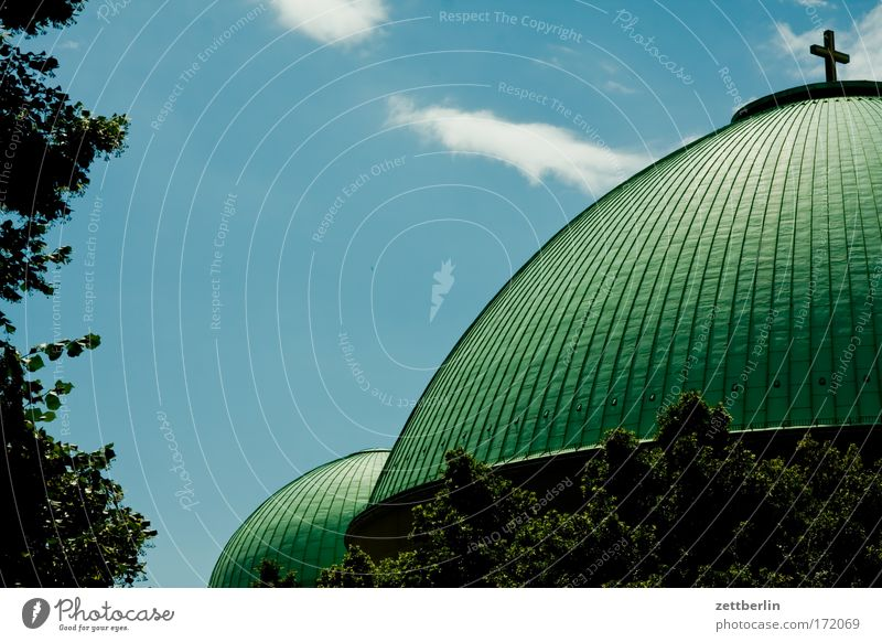 Hedwig Himmel Sommer Berlin Religion & Glaube Kirche Christliches Kreuz Christentum Blauer Himmel Kathedrale Ritter himmelblau Kuppeldach Katholizismus