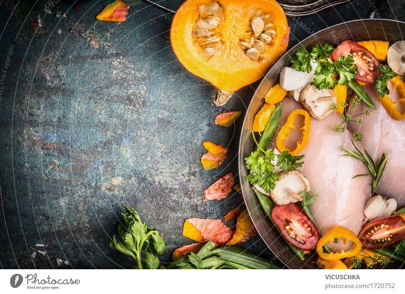 Hähnchenbrust in Kochtopf mit Kürbis und Gemüse Gesunde Ernährung Winter gelb Leben Herbst Stil Lebensmittel Design Tisch Kräuter & Gewürze kochen & garen Küche