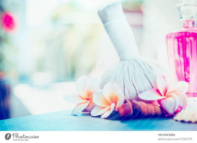 Wellness Massage Kräuterstempel und Frangipani Blumen Lifestyle Stil Design schön Körperpflege Kosmetik Gesundheit Leben Wohlgefühl Erholung Duft Kur Spa Sommer