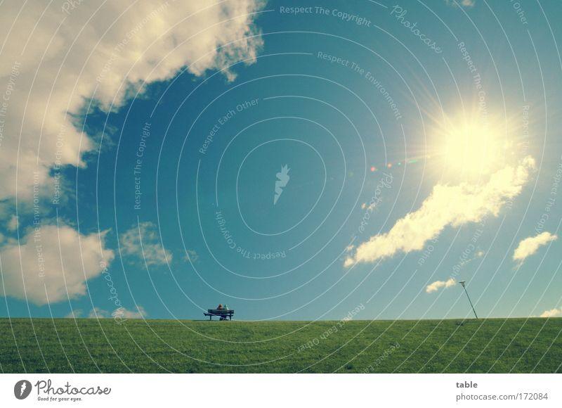 Sommerfrische Mensch Himmel weiß Meer grün blau Ferien & Urlaub & Reisen gelb Erholung sprechen Wiese Landschaft Luft Zufriedenheit Zusammensein Horizont