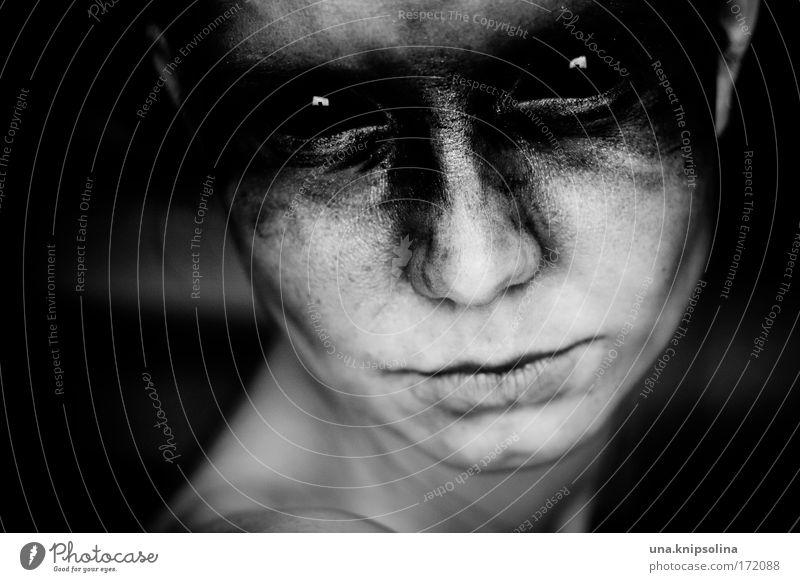 was ich will Schminke feminin Junge Frau Jugendliche Haut Kopf Gesicht Auge 1 Mensch 18-30 Jahre Erwachsene Denken kämpfen Aggression außergewöhnlich bedrohlich