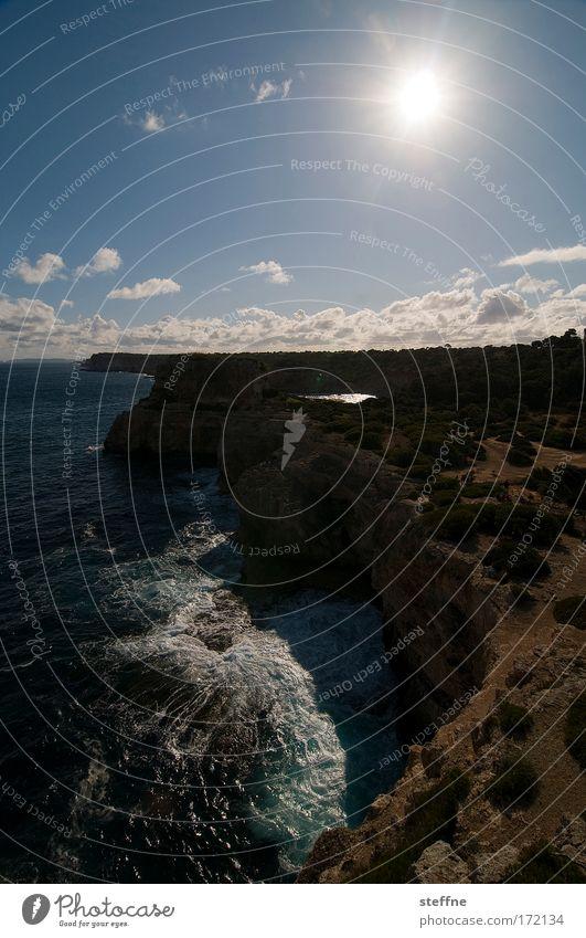 elements Himmel Wasser Sonne Sommer Ferien & Urlaub & Reisen Meer Wolken Freiheit Landschaft Küste Wellen wandern Felsen Insel Tourismus Bucht