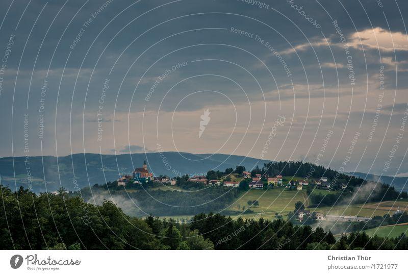 Blick auf Pöllau Natur Ferien & Urlaub & Reisen Sommer Baum Landschaft Erholung Haus Ferne Wald Berge u. Gebirge Umwelt Architektur Wiese Gebäude Freiheit