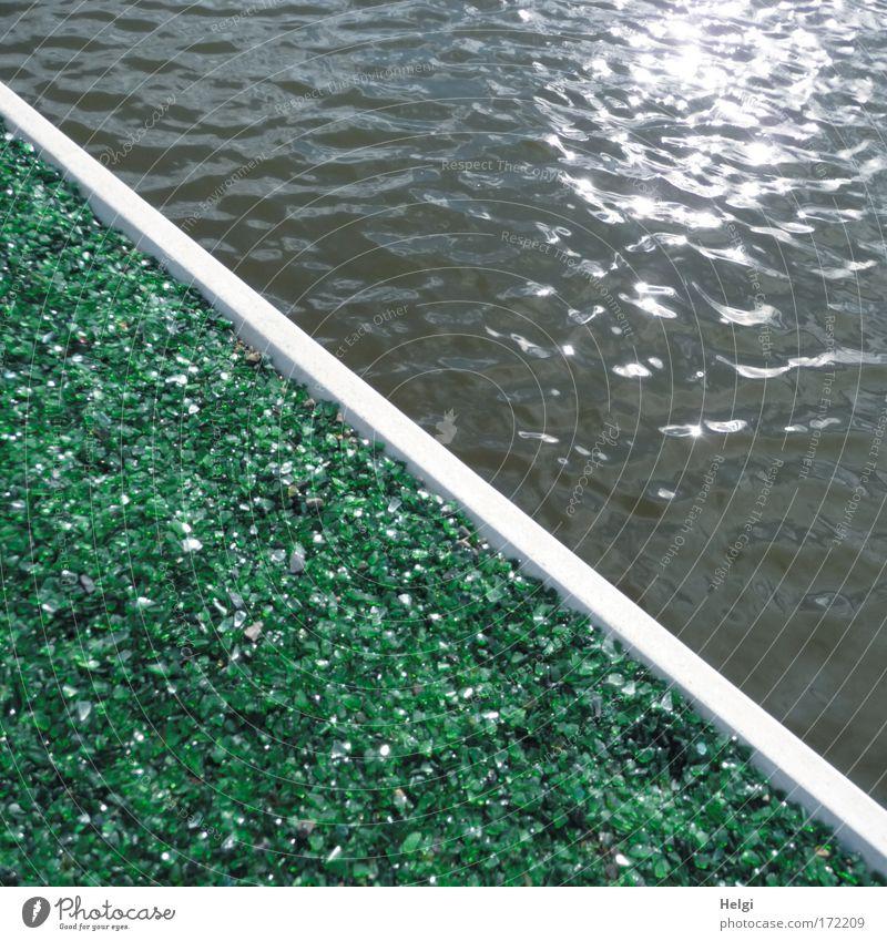 geteilt... Wasser weiß Sonne grün blau Sommer Wand grau Stein Mauer Wege & Pfade Park glänzend Glas Design nass