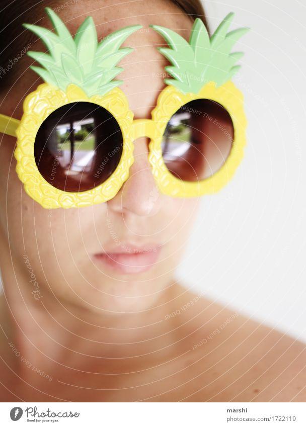 1500 sonnige Momente Mensch Frau Sommer Freude Erwachsene Gefühle lustig Lifestyle feminin Stil Haare & Frisuren Stimmung hell Freizeit & Hobby Sonnenbrille