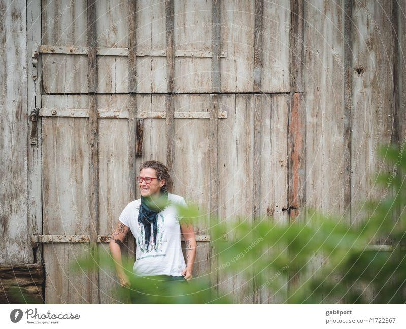 Schwäbische Landpartie III Mensch Frau Jugendliche Sommer grün Junge Frau Erholung ruhig Haus Erwachsene Leben Lifestyle feminin Stil braun Häusliches Leben