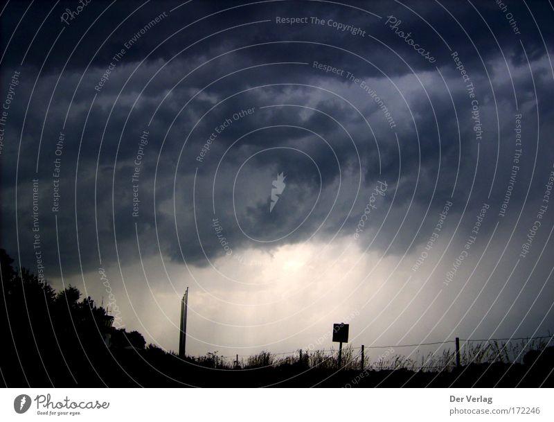 Haxterberg Gedeckte Farben Außenaufnahme Menschenleer Dämmerung schlechtes Wetter Unwetter Wind Sturm Regen Gewitter Gefühle