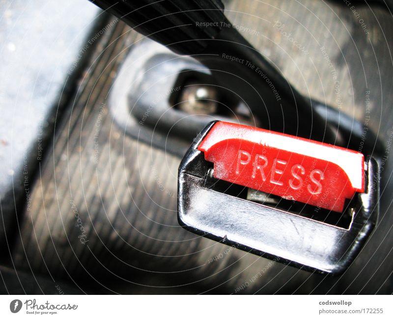 """""""Clunk Click Every Trip"""" Farbfoto Innenaufnahme Nahaufnahme Detailaufnahme Textfreiraum links Innenarchitektur Autofahren Fahrzeug PKW Kunststoff Schriftzeichen"""
