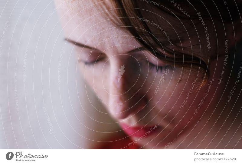 ID1722620 feminin Junge Frau Jugendliche Erwachsene Mensch 18-30 Jahre 30-45 Jahre Angst Stress chaotisch Einsamkeit Enttäuschung Frustration Langeweile Schmerz
