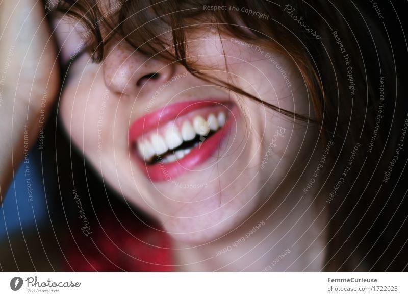 Sommerglück03. Lifestyle schön Kosmetik Lippenstift feminin Junge Frau Jugendliche Erwachsene Haut Kopf Haare & Frisuren Gesicht Zähne 1 Mensch 18-30 Jahre
