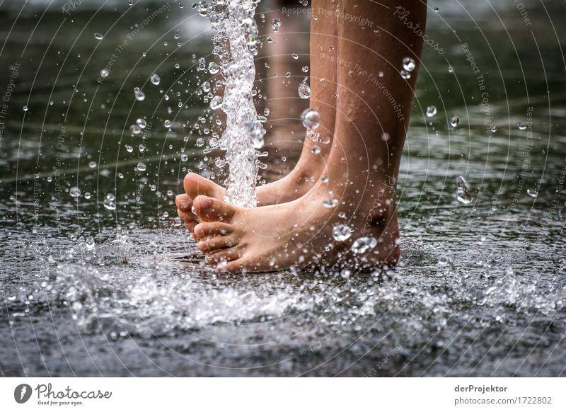 Sommerwasserspaß Mensch Kind Ferien & Urlaub & Reisen nackt Wasser Freude Sport Spielen Glück Freiheit Schwimmen & Baden Fuß Tourismus Park Freizeit & Hobby