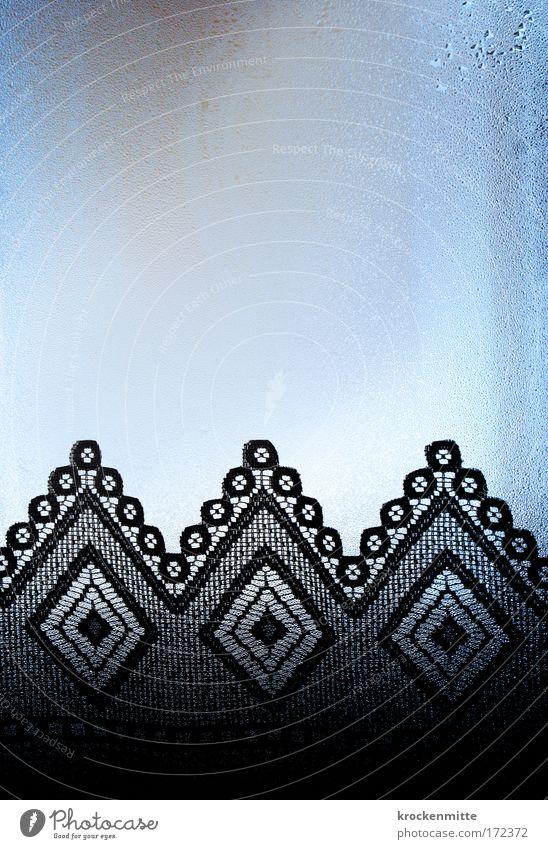 Spitzen Wasser blau schwarz Fenster Glas nass Tropfen Scheibe Textilien Stoffmuster beschlagen Textilindustrie