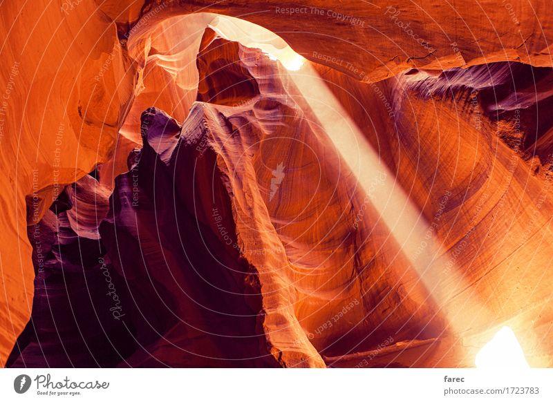 Antelope Canyon, Navajo Tribal Park, Arizona, USA Natur alt Sommer schön Wasser Landschaft rot dunkel Berge u. Gebirge gelb Wege & Pfade Bewegung Stein Sand
