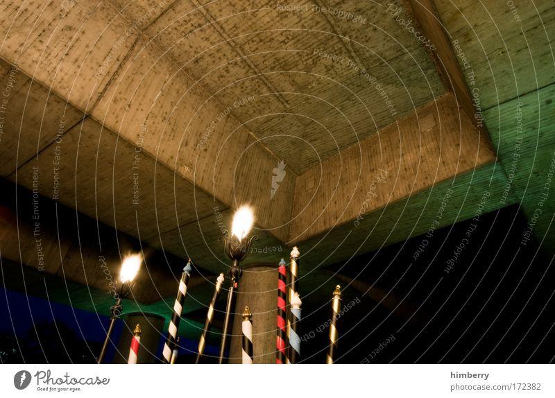 fackelgedackel Architektur Kunst außergewöhnlich fantastisch Beton einzigartig Brücke Feuer Neugier Kunstwerk Hafenstadt Ausstellung Düsseldorf rebellisch Fackel