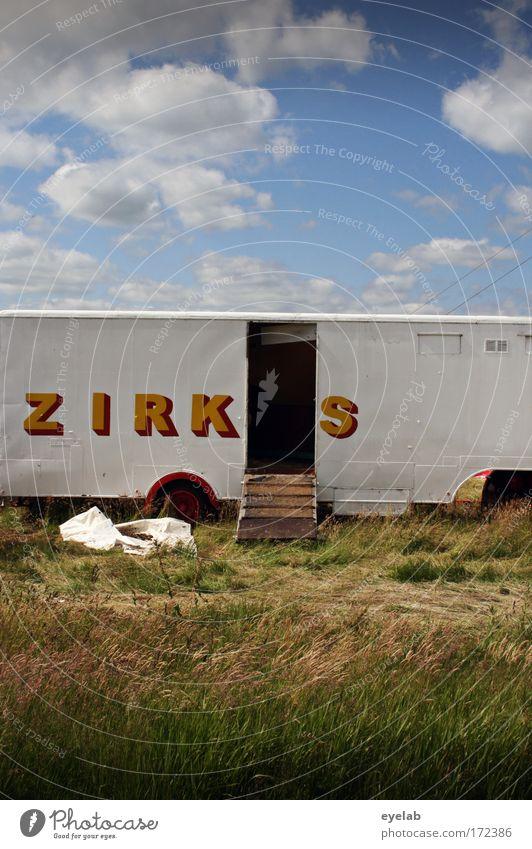 ZIRK[ ]S Himmel Wolken Tier Wiese Kunst Feld Treppe Schönes Wetter Schriftzeichen Show Zeichen Buchstaben Kultur Veranstaltung Dienstleistungsgewerbe Fahrzeug