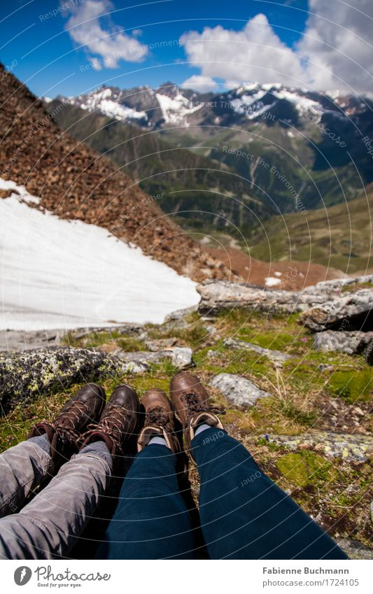 Beine am Berg Ausflug Abenteuer Freiheit Sommerurlaub Schnee Berge u. Gebirge wandern Mensch Fuß 2 Landschaft Schönes Wetter Alpen Seescharte Bundesland Tirol