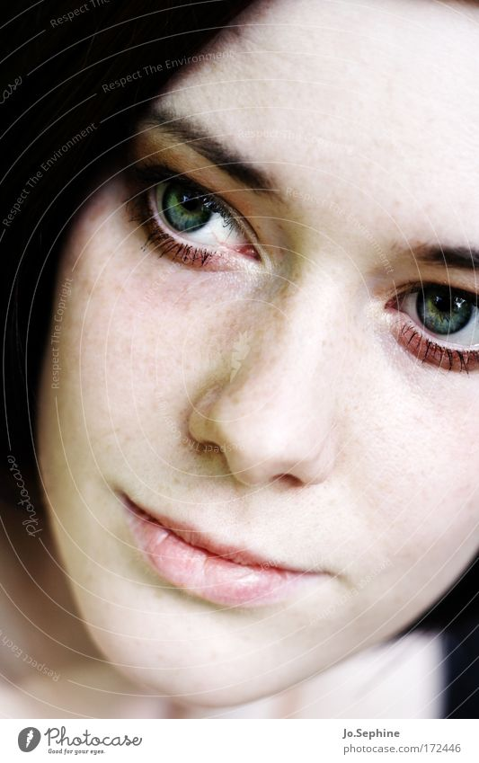 the girl who wants to die everyday Frauengesicht Junge Frau Erwachsene Jugendliche 18-30 Jahre Gesicht Sommersprossen geschminkt feminin zart schön