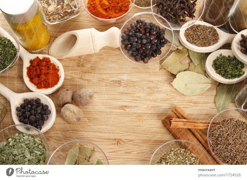 gewürze Kräuter & Gewürze Schnittlauch Petersilie Dill Paprika Curry Cumin Holzbrett Kochlöffel rot grün Zutaten Gesunde Ernährung Speise Essen Foodfotografie