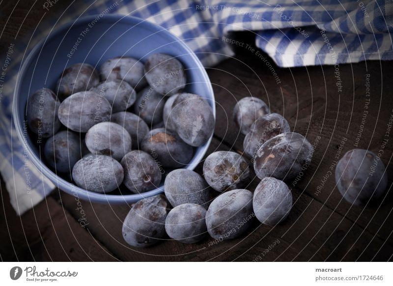 Pflaumen Frucht landhausstil reif blau Gesunde Ernährung Küchenhandtücher Holztisch altehrwürdig veraltet Schalen & Schüsseln Geschirr Porzellan Müsli Kernobst