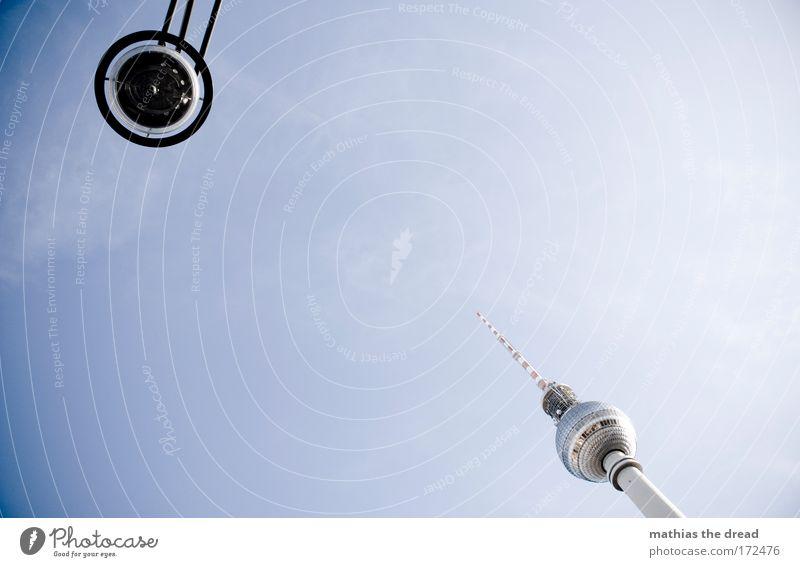 UFO VS. SPITZE PART II Himmel Sonne Sommer Wolken Berlin Deutschland Platz Hochhaus ästhetisch Zukunft Turm einzigartig Telekommunikation Fernseher Skyline
