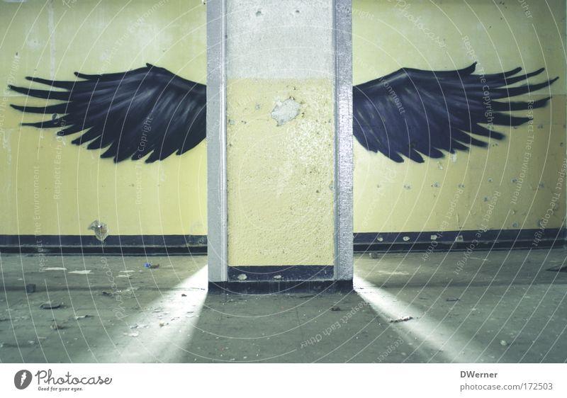 Flügelwesen :-) Leben Wand Graffiti Stil Mauer Luft Mensch Vogel Arme Kunst fliegen ästhetisch Luftverkehr Häusliches Leben retro Engel