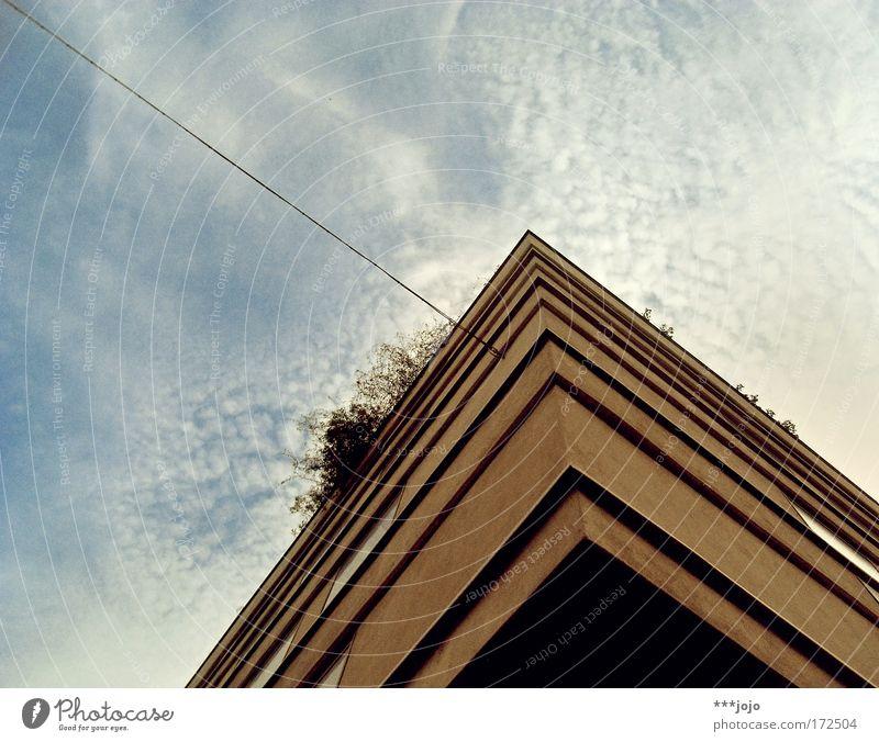 kubus an der leine. Himmel Stadt Haus Wand Stil Mauer Gebäude Architektur Wohnung Beton Seil Fassade modern Ecke Kabel