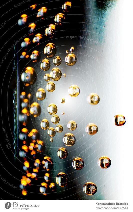 Bubbles Deluxe Wasser schön weiß schwarz gelb Farbe kalt Stil grau glänzend Design elegant gold Trinkwasser Getränk Makroaufnahme