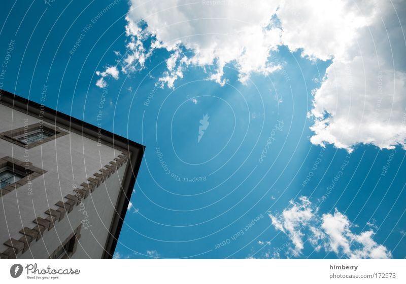 wie im himmel so auf erden Himmel Natur Wolken Haus Fenster Umwelt Wand Architektur Gebäude Mauer Fassade Design Wetter Klima Schönes Wetter Baustelle
