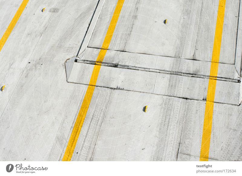 plattform gelb trashig Freundlichkeit Schifffahrt graphisch gestreift Fähre Containerschiff