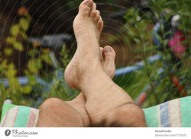 Nach der Radtour Natur Sommer Erholung Beine Fuß liegen Freizeit & Hobby Haut maskulin Pause Schönes Wetter Barfuß Zehen Wade Zehenspitze
