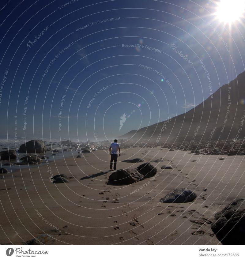 Sonnenschein Mensch Himmel Mann blau Wasser Ferien & Urlaub & Reisen Meer Sommer Strand Erwachsene Umwelt Landschaft Berge u. Gebirge Sand Stein Küste