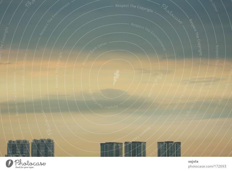 soft sky Himmel Wolken Singapore Asien Stadt Hauptstadt Skyline Haus Hochhaus Unendlichkeit blau grau ästhetisch Farbfoto Gedeckte Farben Außenaufnahme