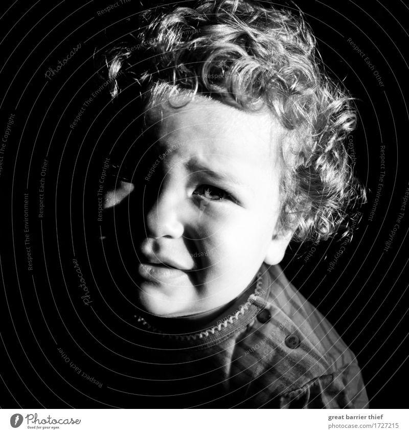 Schwarzweiß Baby Mensch Kind schön Mädchen schwarz natürlich feminin grau Kopf ästhetisch retro Zukunft einzigartig niedlich