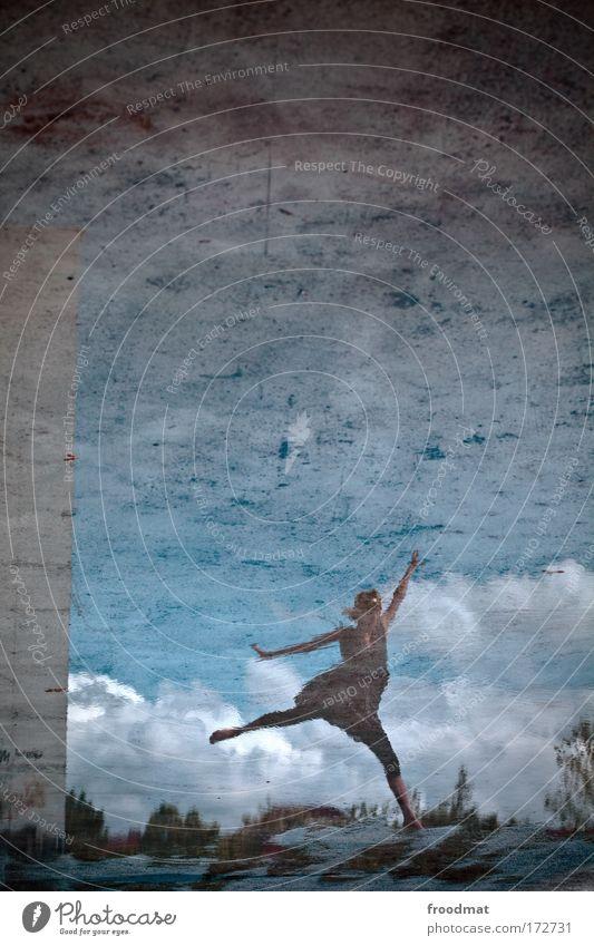 alles balletti Mensch Frau Himmel Jugendliche schön Erwachsene feminin springen Stil Tanzen elegant Reflexion & Spiegelung ästhetisch Wasser einzigartig