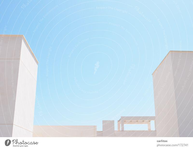 casa blanca III Himmel weiß blau Haus kalt hell Architektur Design elegant Erfolg modern ästhetisch Coolness außergewöhnlich Reichtum