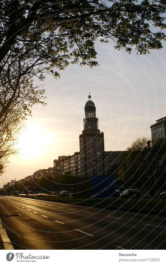 Frankfurter Tor Himmel Stadt Baum Sonne Straße Architektur Gebäude fahren Schönes Wetter Freundlichkeit Tor Wahrzeichen Hauptstadt Wolkenloser Himmel