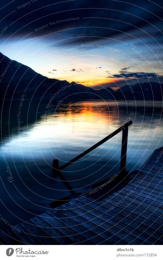 Wolfgangsee Farbfoto Außenaufnahme Experiment Menschenleer Textfreiraum oben Textfreiraum Mitte Abend Reflexion & Spiegelung Lichterscheinung Sonnenlicht