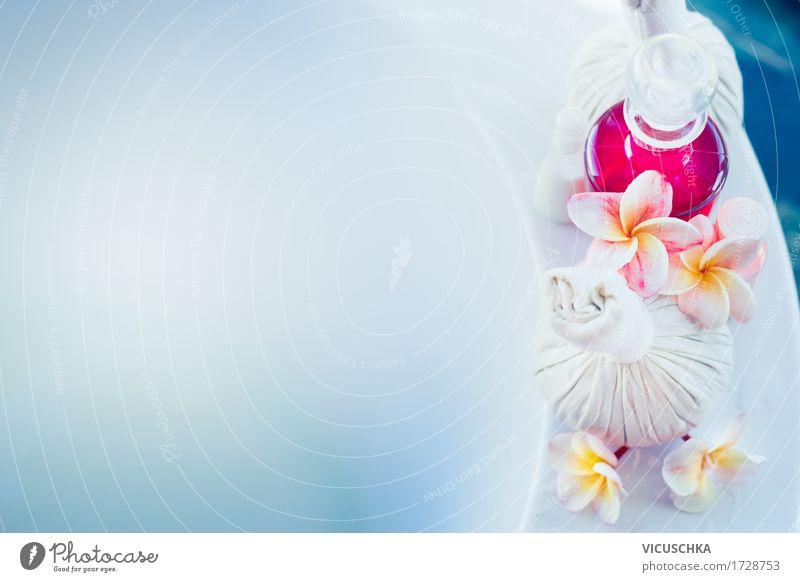 Badewanne mit Wasser und Wellness Zubehör blau schön Blume Erholung Stil Gesundheit Schwimmen & Baden rosa Design Wohnung Häusliches Leben Hotel