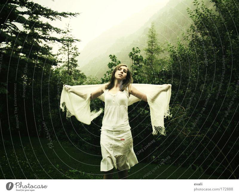 Like an angel Mensch Jugendliche weiß grün Baum Sommer Wald Landschaft feminin Bewegung Haare & Frisuren Glück Garten Zufriedenheit Tanzen Junge Frau