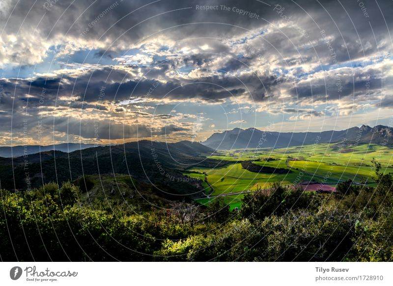 Tal Berrueza Himmel Natur Ferien & Urlaub & Reisen Sommer Farbe schön Sonne Baum Landschaft Wolken Berge u. Gebirge gelb Herbst natürlich Gras Nebel