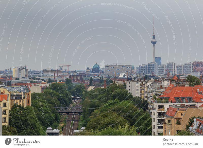 Berlin Deutschland Europa Stadt Hauptstadt Stadtzentrum Skyline Haus Brücke Turm Bauwerk Sehenswürdigkeit Wahrzeichen Fernsehturm Berliner Fernsehturm