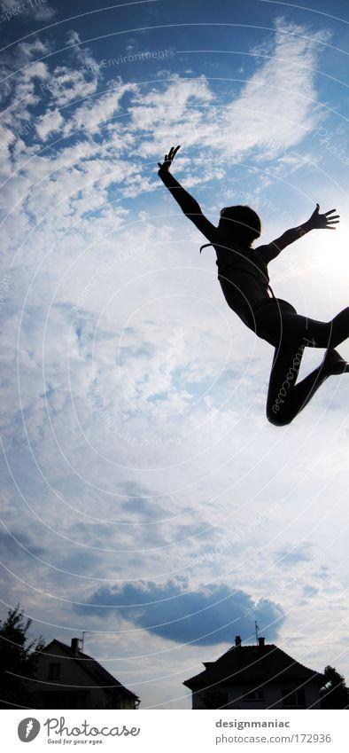 Traumflieger Mensch Kind Himmel blau weiß Mädchen Freude Wolken schwarz Haus springen träumen Gesundheit Vogel Kindheit Tanzen