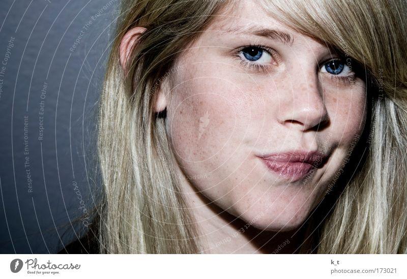 Introducing... Isabelle =) Mensch Jugendliche schön blau Gesicht ruhig Frau feminin Porträt Haare & Frisuren Kopf Wärme blond frisch Fröhlichkeit