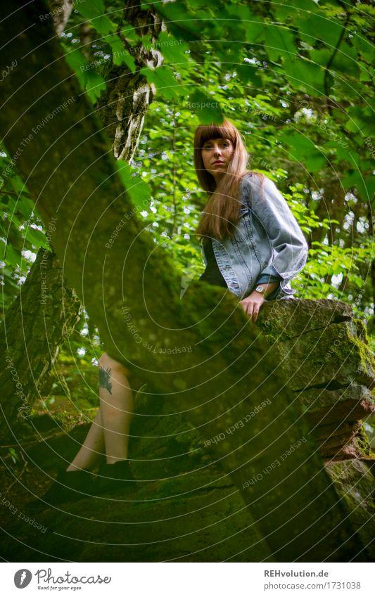Carina | lange Steine Mensch feminin Junge Frau Jugendliche 1 18-30 Jahre Erwachsene Umwelt Natur Landschaft Sommer Wald Felsen Kleid Jacke Tattoo Piercing