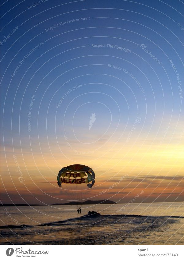 Hasta la vista blau Wasser Ferien & Urlaub & Reisen Sonne Sommer Meer Freude ruhig Ferne gelb Erholung Freiheit Wärme Küste träumen Horizont