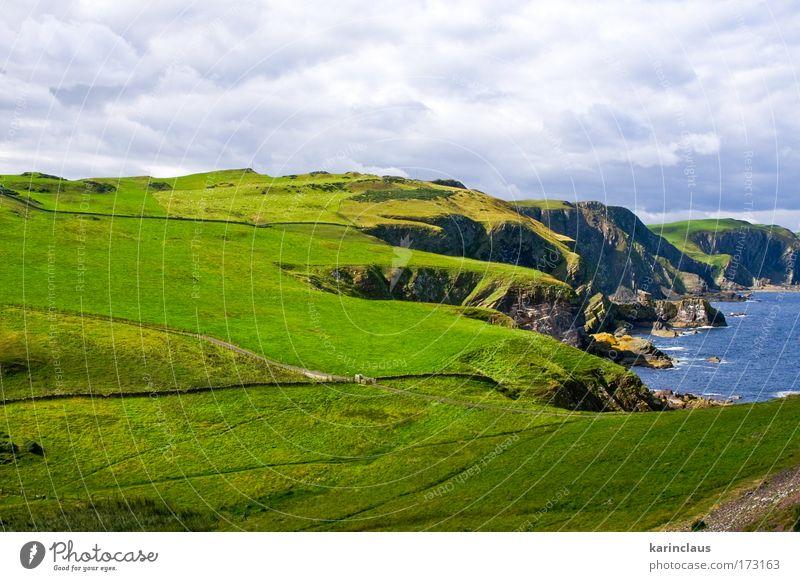 Natur Wasser weiß grün blau schön Ferien & Urlaub & Reisen Meer Wolken Wiese Berge u. Gebirge Landschaft Umwelt Gras Küste hell
