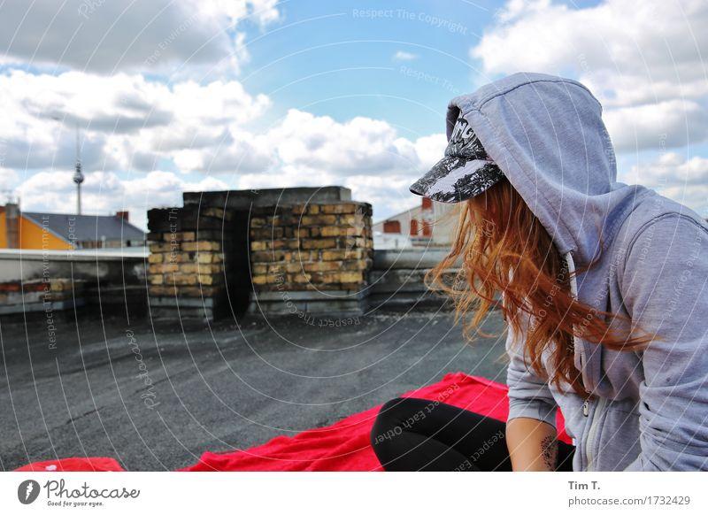Haare Mensch feminin Junge Frau Jugendliche Kopf 1 13-18 Jahre Berlin Stadt Hauptstadt Stadtzentrum Altstadt Skyline Dach Sehenswürdigkeit Fernsehturm Identität