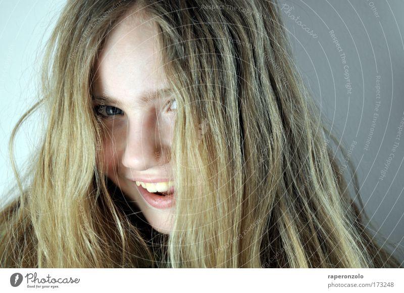 hey! Freude Glück Haare & Frisuren Gesicht feminin Kind Mädchen Kindheit Jugendliche Kopf Auge Nase Mund 1 Mensch 8-13 Jahre blond langhaarig Lächeln lachen